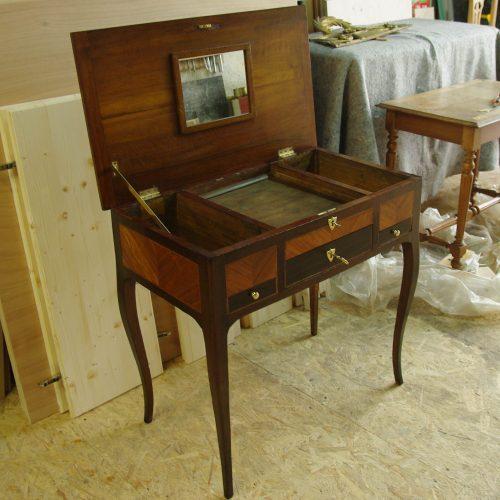 Coiffeuse restaurée. Restauration de mobilier à Montpellier Hérault 34