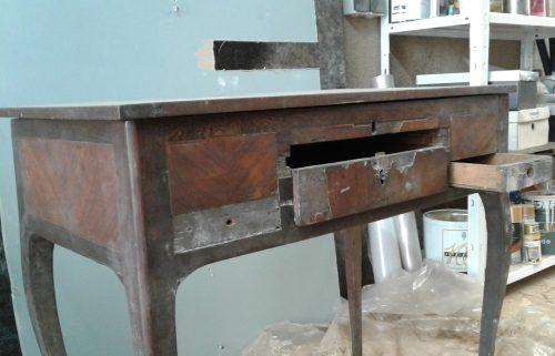 coiffeuse de style Louis XV à restaurer. Restauration de mobilier à Montpellier Hérault 34